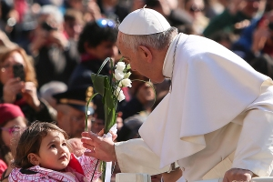 General_audience_with_Pope_Francis_7_on_March_18_2015_Credit_Daniel_Ibanez_CNA